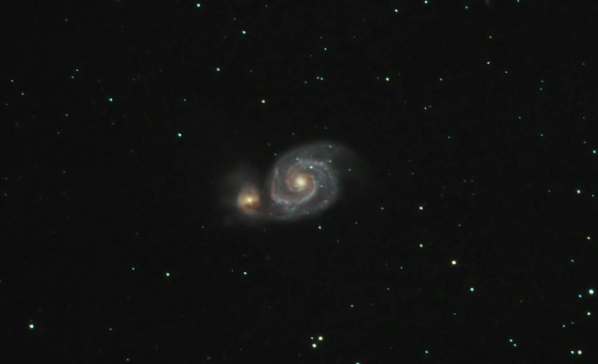 صورة جميلة للمجرة M51.