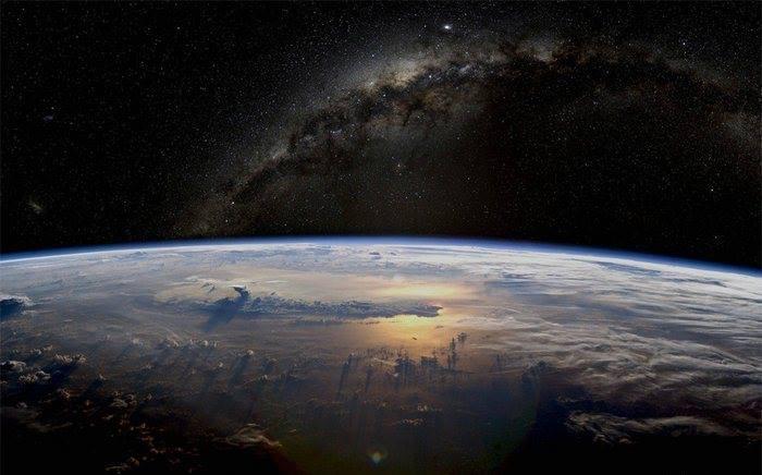 لماذا الارض كوكب فريد ؟